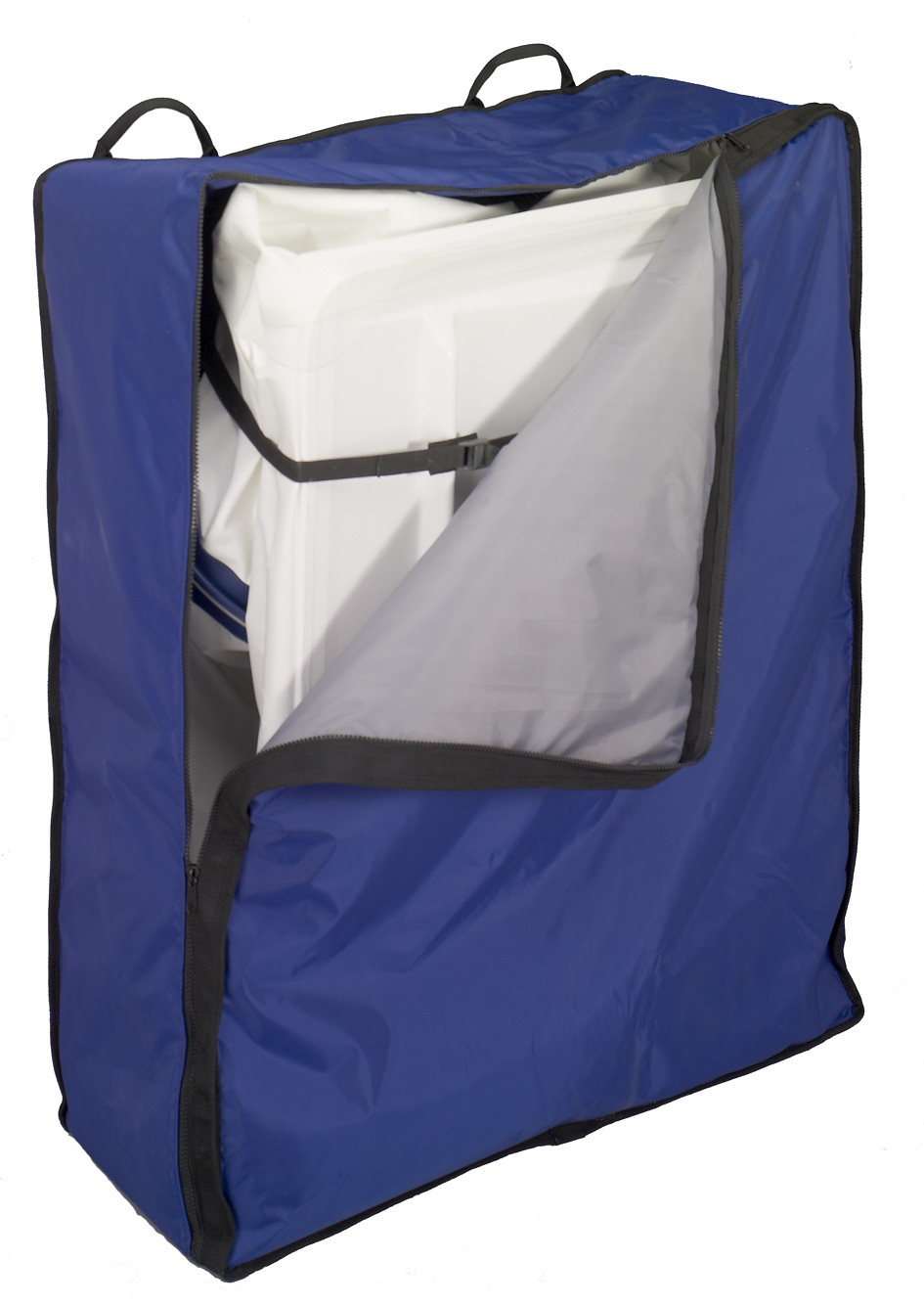 Compact and transport friendly. Folded dimensions : 1,5 m x 1 m.