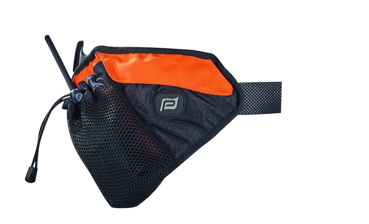Removable pouch Slides along the belt, Velcro flap closure, D ring inside. Designed for small accessories (water, suncream…) for long outings, training sessions or sea treks.