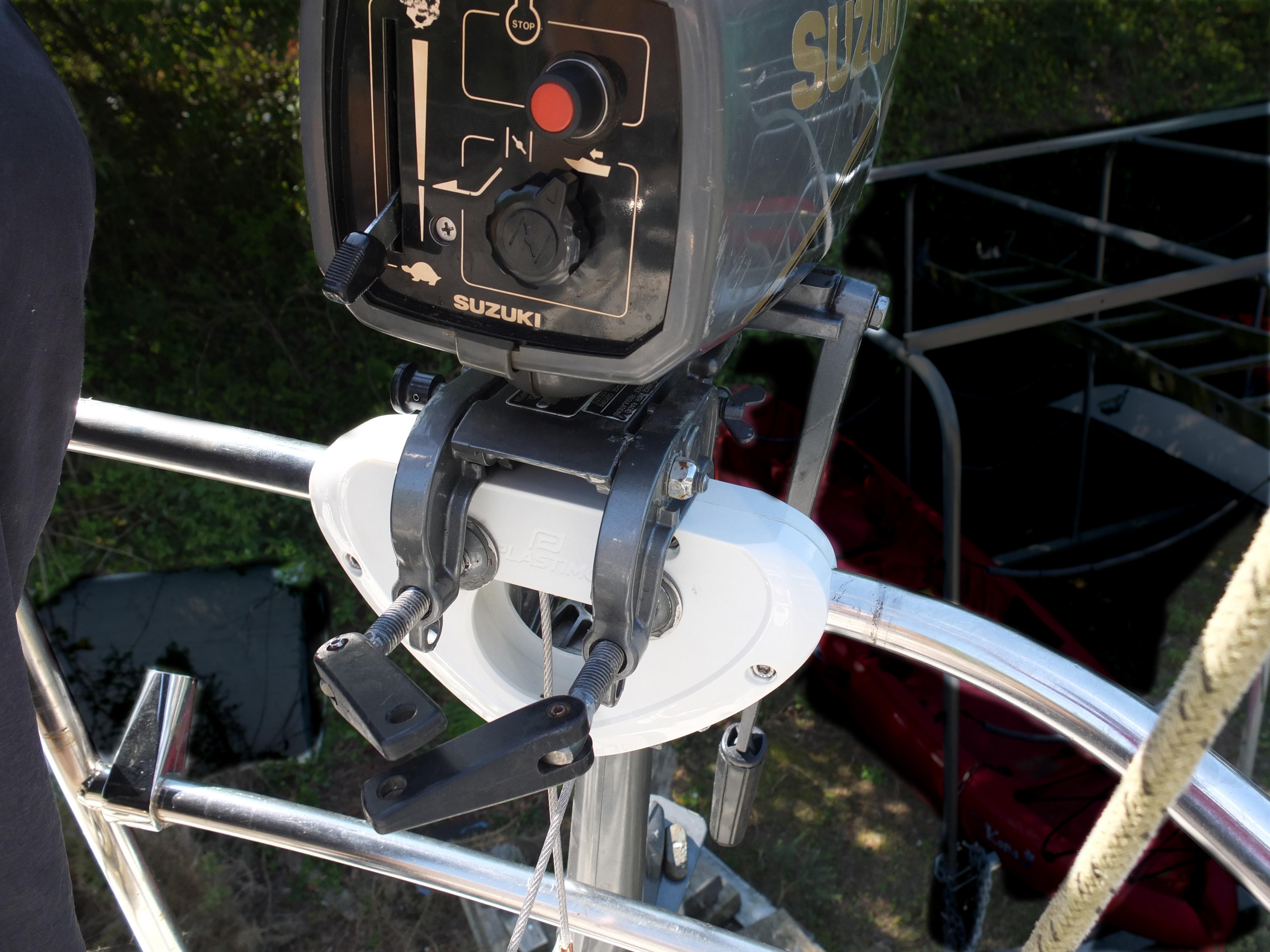 outboard motor holder plastimo happy boating to you